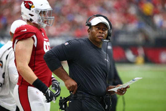 Should Arizona Cardinals defensive coordinator Vance Joseph be on the hot seat? Some are calling for him to be fired.