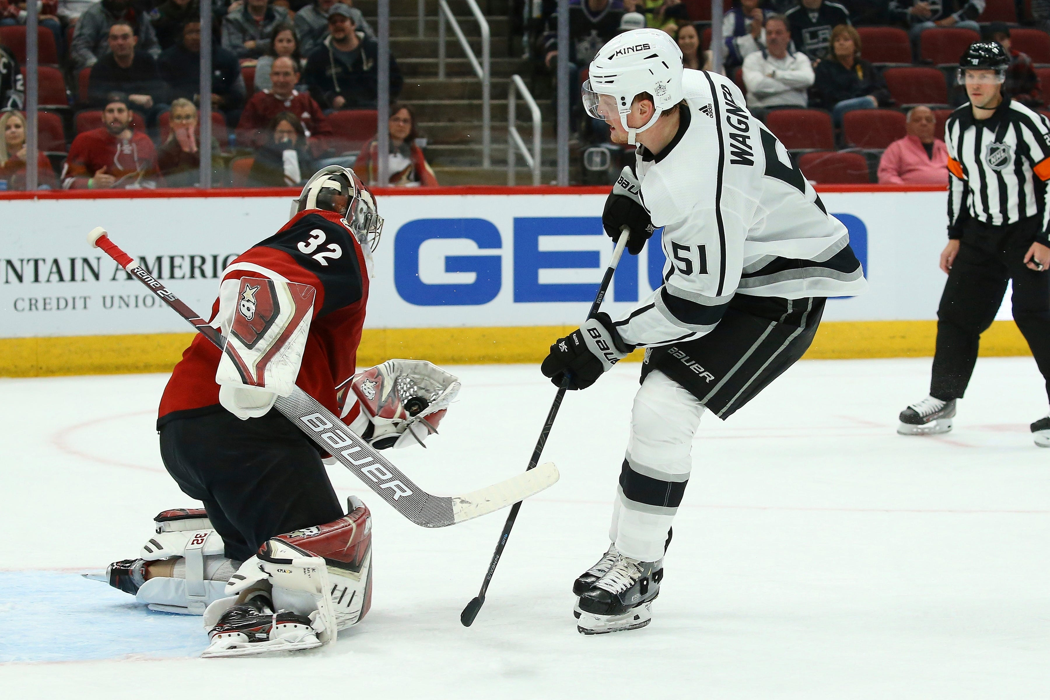 Den's Digest: Coyotes goaltenders shining in back-to-back shutouts