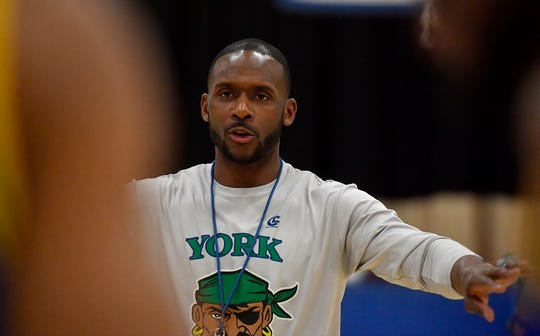 Tyrell Bowie coaches the York Bucs during practice at Voni Grimes Gym.
