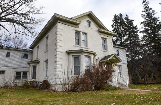 The Benton County Historical Society has closed on a purchase agreement for the 1873 Robinson-Stanton house at 202 Second Ave. South in Sauk Rapids.