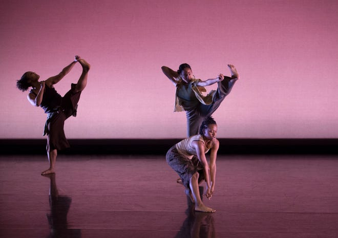 FSU School of Dance students performing in Nancy Smith Fichter Dance Theatre.