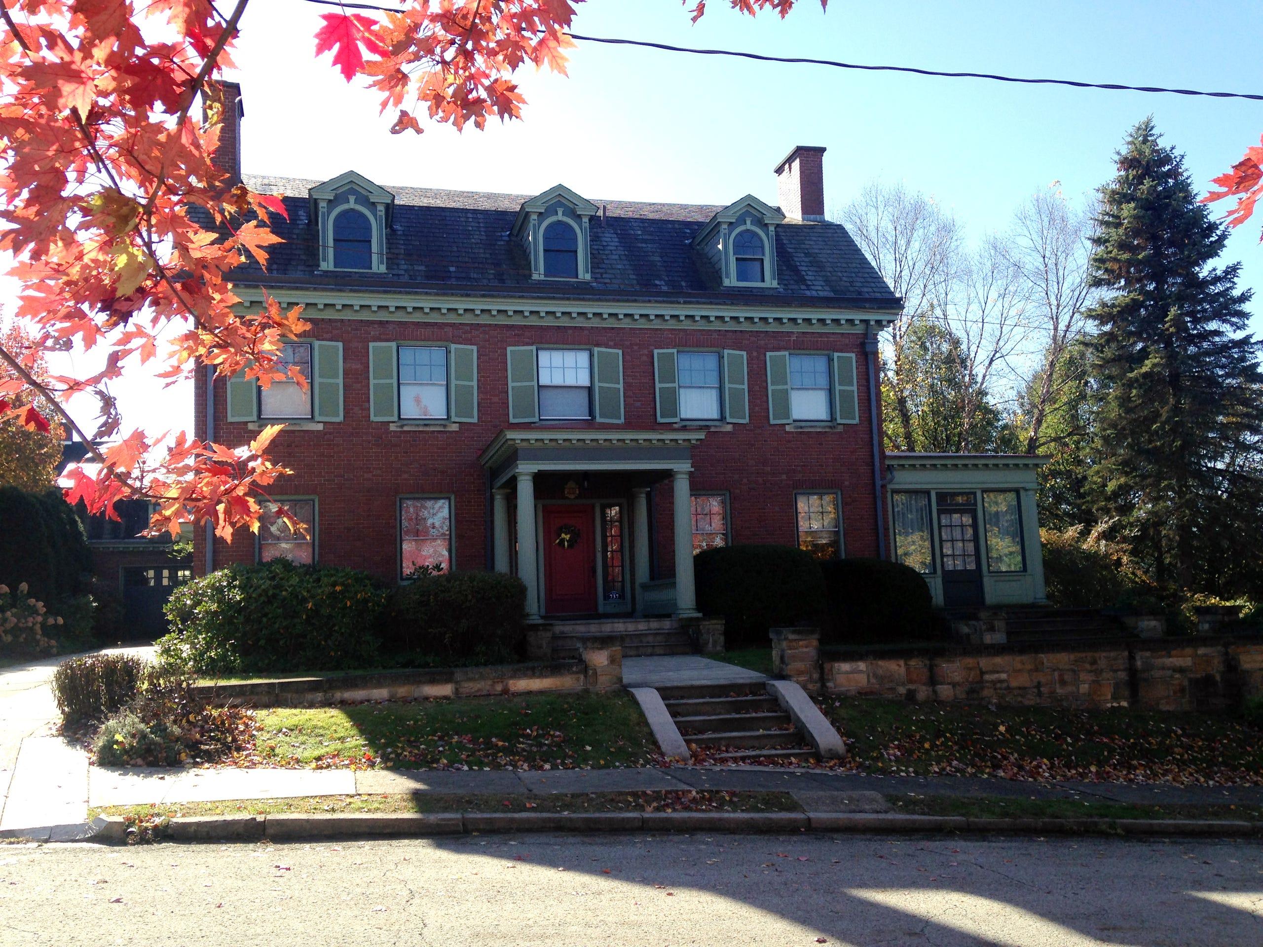 Mr Rogers Real Neighborhood Take A Tour Of Latrobe Pennsylvania