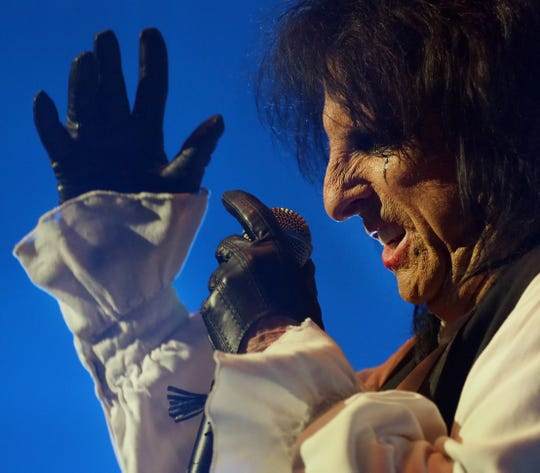 Alice Cooper performs at the Louisville Palace on Nov. 19, 2019