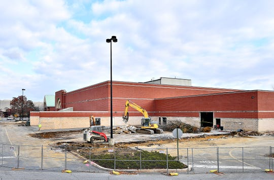 The future site of Hollywood Casino York at York Galleria Mall in Springettsbury Township, Wednesday, Nov. 20, 2019. Dawn J. Sagert photo