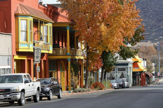A November 2019 scene along West Miner Street in Yreka's historic district.