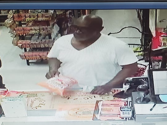 """The Fellsmere Police Department is asking for the public's help in identifying a man who used a common """"short change"""" scam on Monday, November 11, 2019 at the Fellsmere Sunoco gas station."""