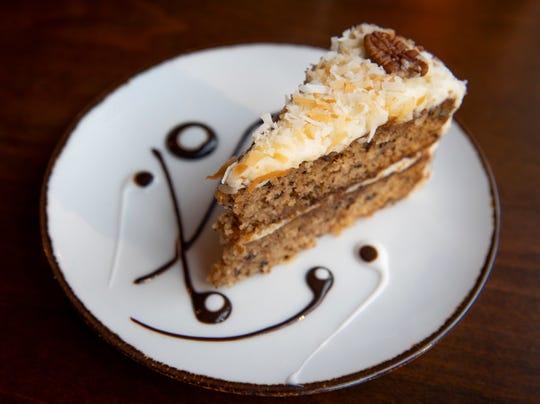 Italian cream cake from Limoncello