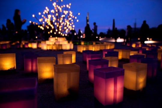 Las Noches de las Luminarias se celebrarán durante varios días de la semana de noviembre y diciembre.