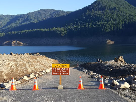 The low-water Mongold boat ramp at Detroit Lake is now closed due to water levels dropping way below normal for dam repairs, making access to the lake difficult to impossible for anglers through mid-January.