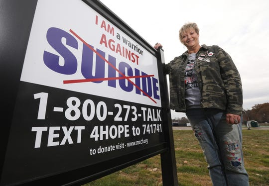 Beth Ann Ingram is trying to get a suicide prevention sign outside every school in Ohio.