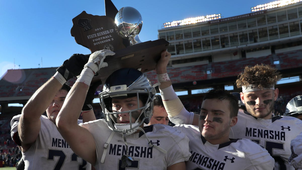 Wiaa State Football Menasha Loses To Deforest In Division 3 Championship