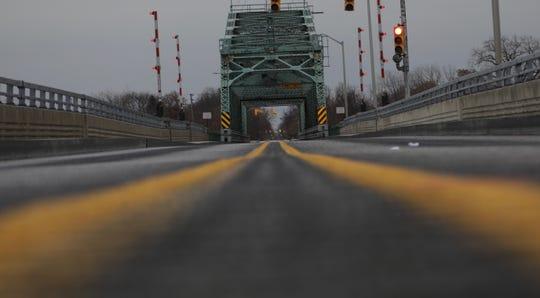 Grosse Ile Parkway bridge to reopen before closing again in 2020