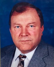Dean Gamradt was the architect of 717 victories between the Fairfield boys' and girls' teams and Dutton-Brady boys. He was inducted into the Montana Coaches Association Hall of Fame in 1996.