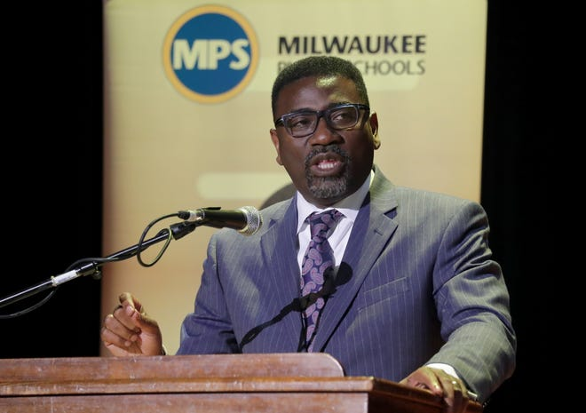 Milwaukee Public Schools Superintendent Keith Posley joined GE Foundation in announcing six new Innovation Labs for MPS.