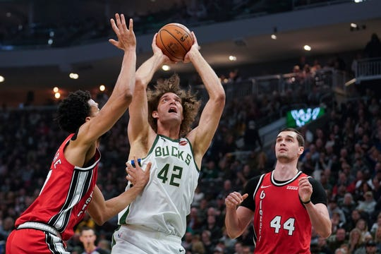Robin Lopez has averaged 4.6 points and 2.7 rebounds over 14.2 minutes per game as a member of the Bucks.