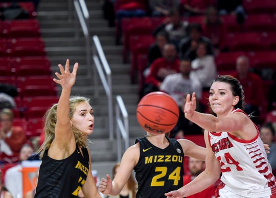 USD's Ciara Duffy (24) makes a pass during the game against Mizzou on Thursday, Nov. 21, 2019, at the Sanford Coyote Sports Center in Vermillion, S.D.