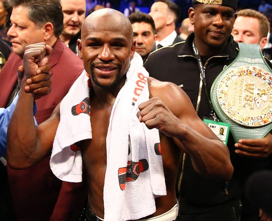 Floyd Mayweather says he's coming out of retirement -- again.