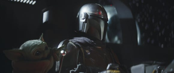 The Mandalorian and Baby Yoda in Chapter 3 of the Disney+ series