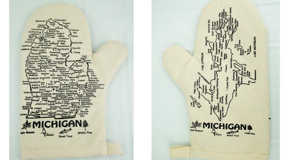 Detroit Free Press / Reviewed 2019 gift guide: Michigan oven mitts