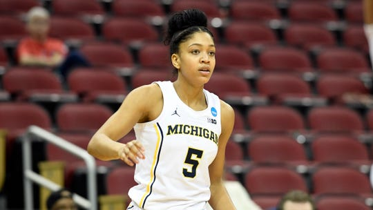 Michigan forward Kayla Robbins recorded a double-double in Saturday's loss.