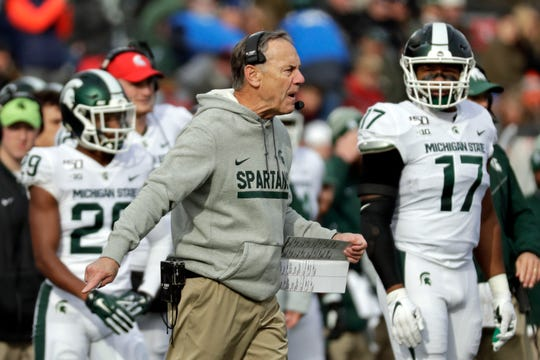 Michigan State coach Mark Dantonio argues a call during the first half against Rutgers on Saturday, Nov. 23, 2019, in Piscataway, N.J.