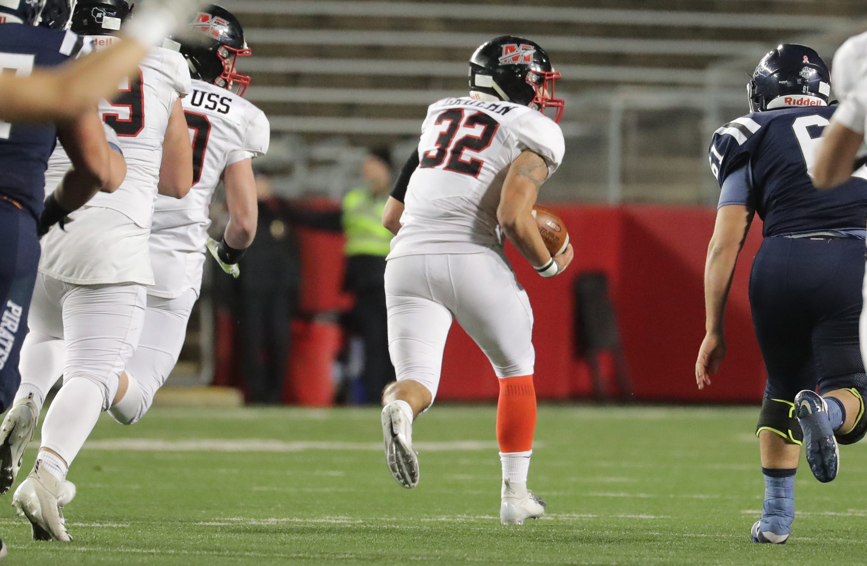 Wiaa Football Muskego Wins Second Straight Division 1 State Title