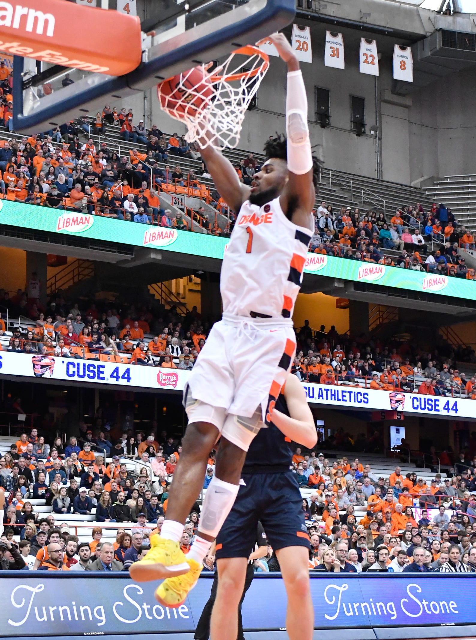 Syracuse Basketball Rolls To Victory Over Bucknell