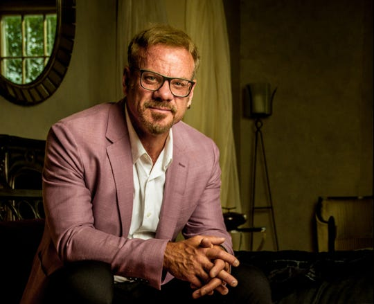 Phil Vassar, who's gone out on holiday tours for the last decade, teams with Lonestar for the second straight holiday season.