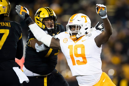 Tennessee linebacker Darrell Taylor (19) defends against Missouri quarterback Kelly Bryant (7) during a game between Tennessee and Missouri at Memorial Stadium in Columbia, Mo. on Saturday, Nov. 23, 2019.