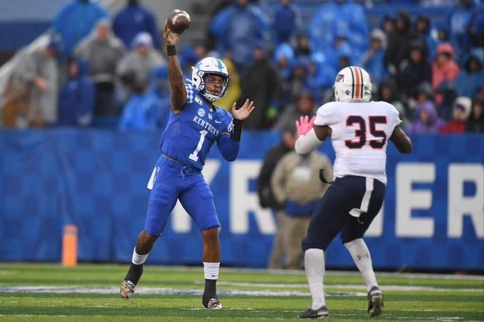 Kentucky football: Cats set rushing record in win over UT ...