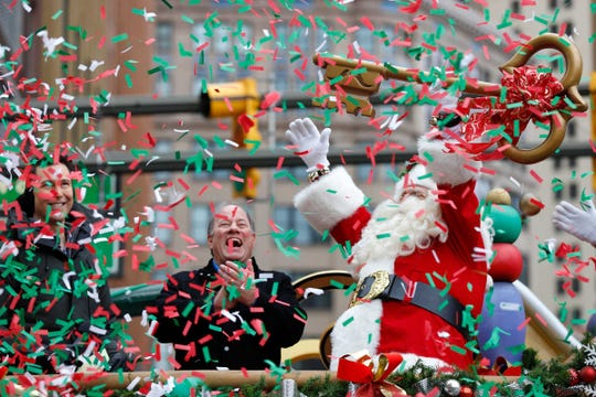 Santa Claus received  the key to the city from Detroit Mayor Mike Duggan at last year's edition of America's Thanksgiving Parade.
