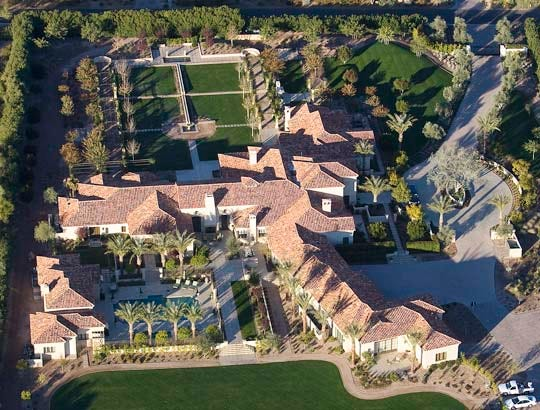 Robert Sarver has sold his Paradise Valley mansion for a record $19.25 million, according to real estate agents.