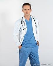 """Antes de """"Médicos"""", Mauricio Henao estelarizó telenovelas como 'Betty en NY', 'Mi Familia Perfecta', y 'Grachí', 'La Impostora' y 'La Tempestad', entre otras."""
