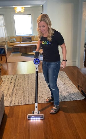 Jennifer Jolly uses the Tineco PURE ONE S12 Cordless Smart Vacuum.