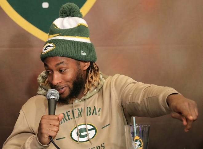 Green Bay Packers running back Aaron Jones co-hosted Monday's Clubhouse Live show in Appleton. Jones' guest was Packers offensive lineman Alex Light. The show was held at The Clubhouse Sports Pub & Grill inside the Red Lion Hotel Paper Valley.