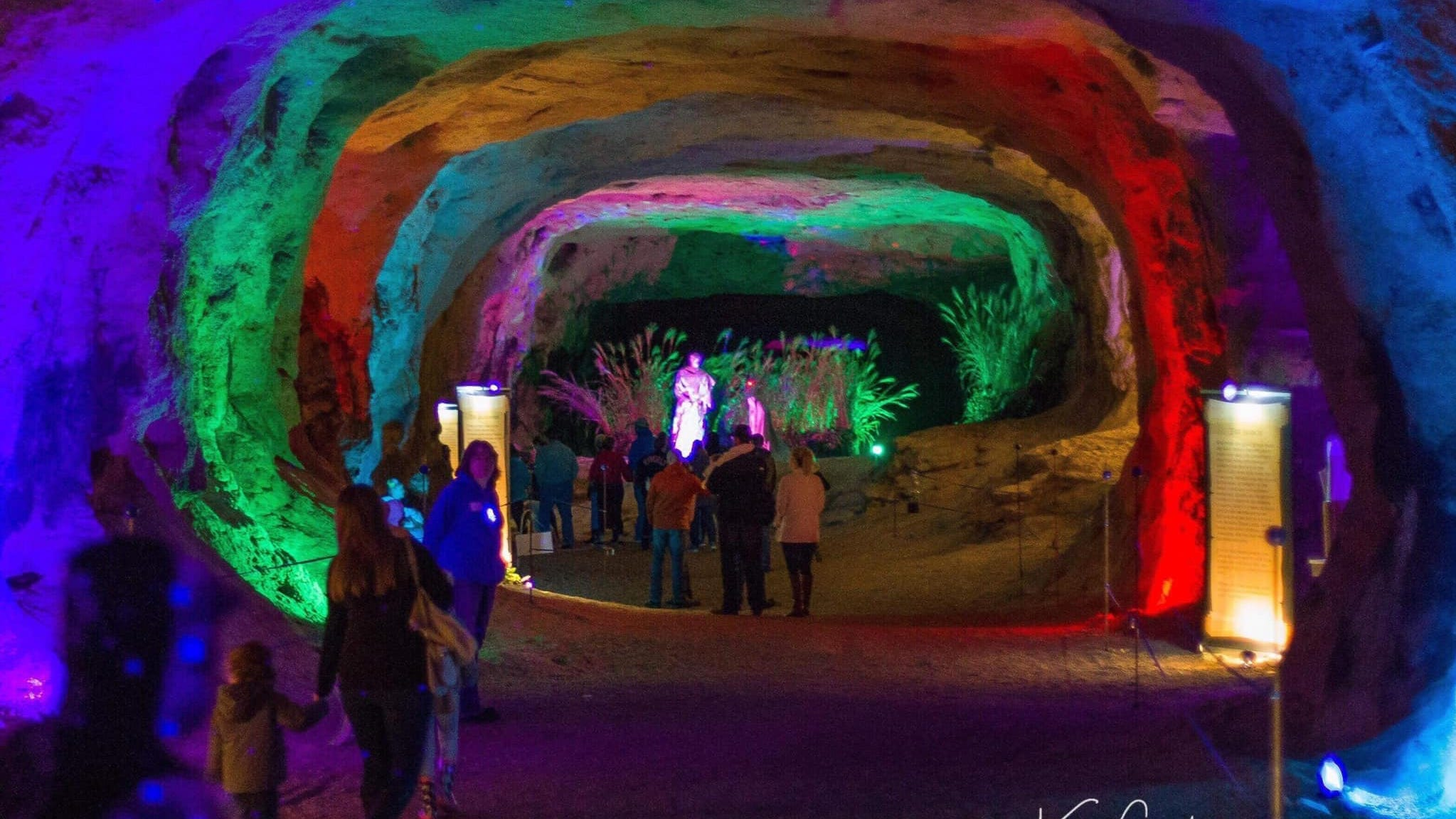 Eastern Ohio Christmas Cave 2020 Here is how you can see Ohio's free Christmas Cave light show