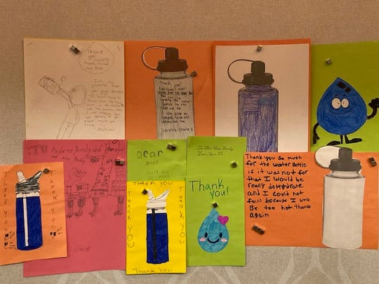 People who help fund teachers' requests on DonorsChoose.org receive thank-you notes from students.