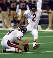 Bears kicker Paul Edinger, shown here in a game in 2002, delivered a 54-yard field goal to beat the Lions in the 2000 season finale at the Pontiac Silverdome.