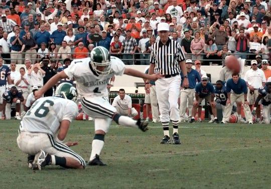 Paul Edinger (1) was an all-Big Ten kicker at Michigan State.