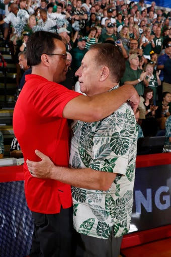 Nov 26, 2019; Lahaina, HI, USA; Georgia Bulldogs coach Tom Crean speaks with Michigan State Spartans coach Tom Izzo after the game during round two of the Maui Jim Maui Invitational at the Lahaina Civic Center. Mandatory Credit: Brian Spurlock-USA TODAY Sports