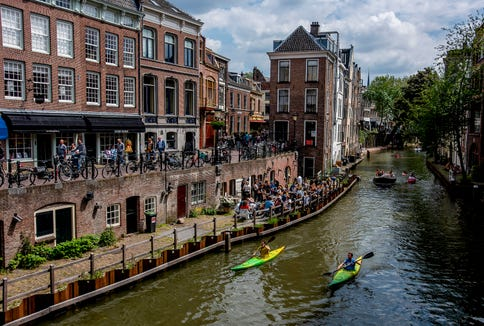 Boating along Utrecht's canals and wharfs.