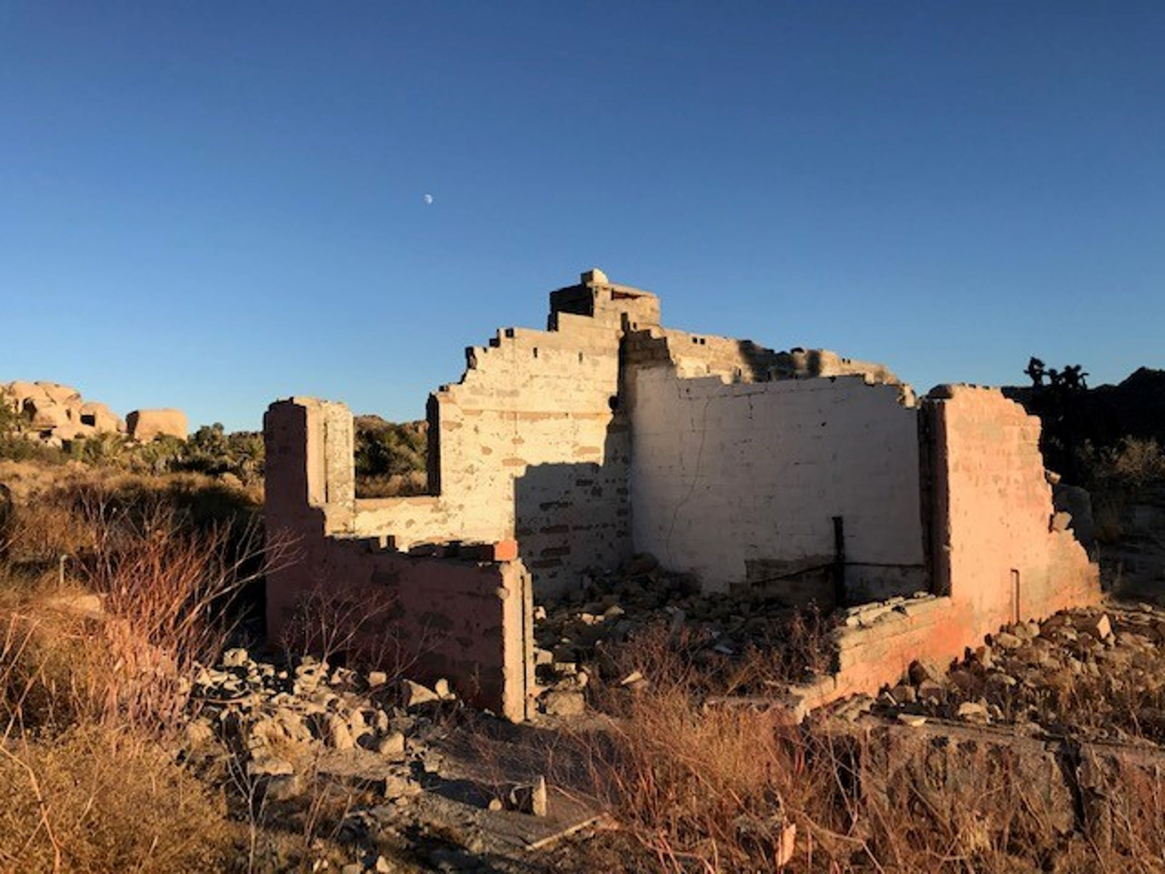 The ruins of the Bagley-Ohlson home site in Joshua Tree National Park