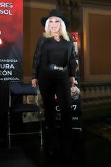 Laura lamenta que Diego Luna reniegue de su origen histriónico en las telenovelas de Televisa, pues fue un trabajo que le dio de comer.