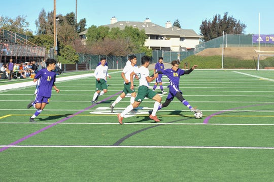 Salinas forward Braulio Maravilla (23) in the season opener against Alisal. Nov. 25, 2019.