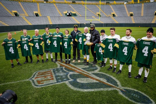 The Leyden family from Colorado won a contest to have their annual backyard Turkey Bowl at Lambeau Field. Former Packers quarterback Brett Favre and outside linebacker Rashan Gary were the offensive and defensive coordinators for the game.