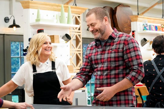 "Hosts Amy Poehler Nick Offerman check contestants' progress on NBC's ""Making It,"" which premieres Dec. 2 at 8 p.m. on Channel 12 (KPNX)."