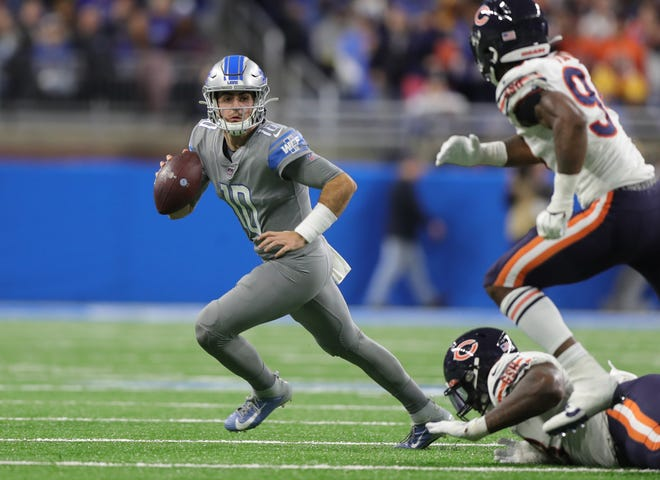 Detroit Lions quarterback David Blough looks to pass against the Chicago Bears during the first half Thursday, Nov. 28, 2019 at Ford Field.