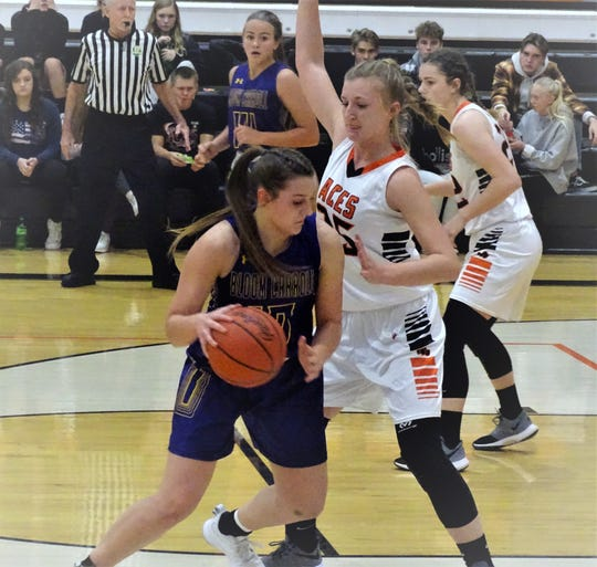 Amanda-Clearcreek defeated Bloom-Carroll, 31-28 , in a Mid-State League-Buckeye Division game last Tuesday.