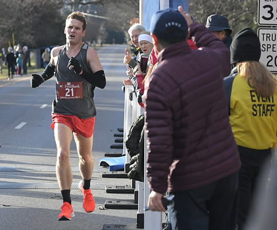Nick French of Nashville wins the 2019 Boulevard Bolt in Nashville on Thursday, Nov. 28, 2019.