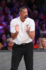 Michigan coach Juwan Howard reacts during the first half against Gonzaga on Friday, Nov. 29, 2019, in Paradise Island, Bahamas.